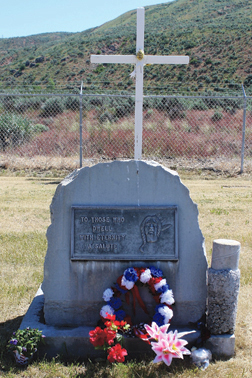 A wreath was placed at the memorial in Fort Okanogan Memorial Cemetery in Monse.